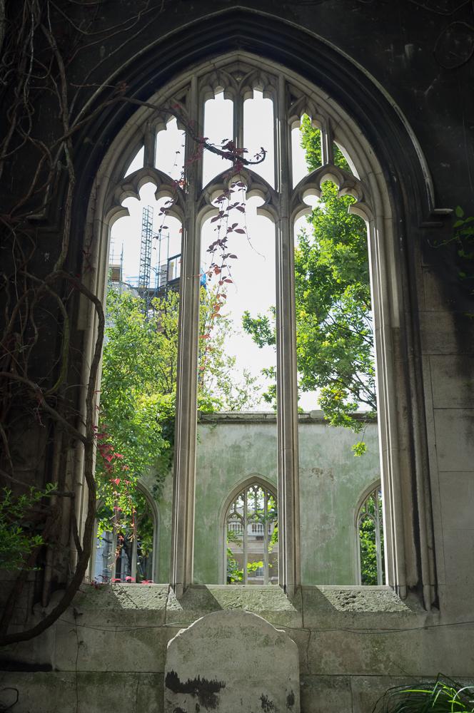 LeaveLondonBehind_secret_gardens-3.jpg