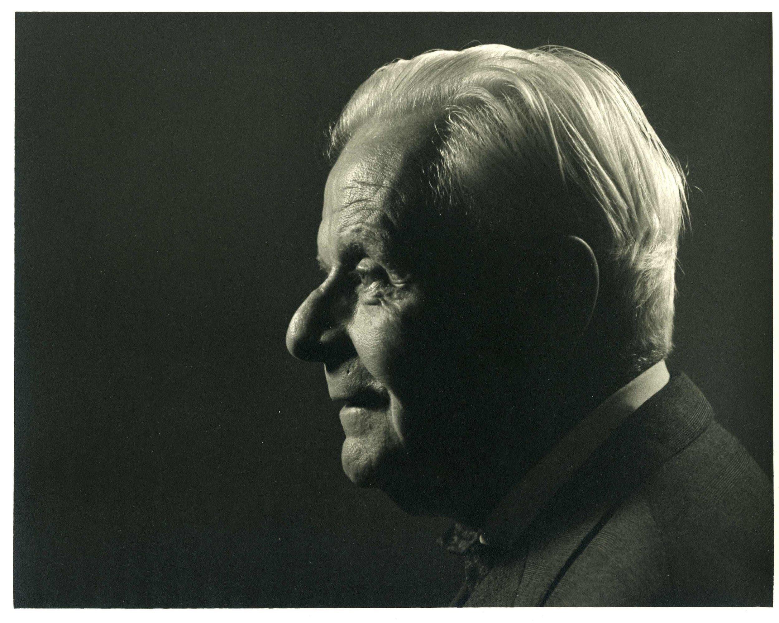 Helmut 2.jpg