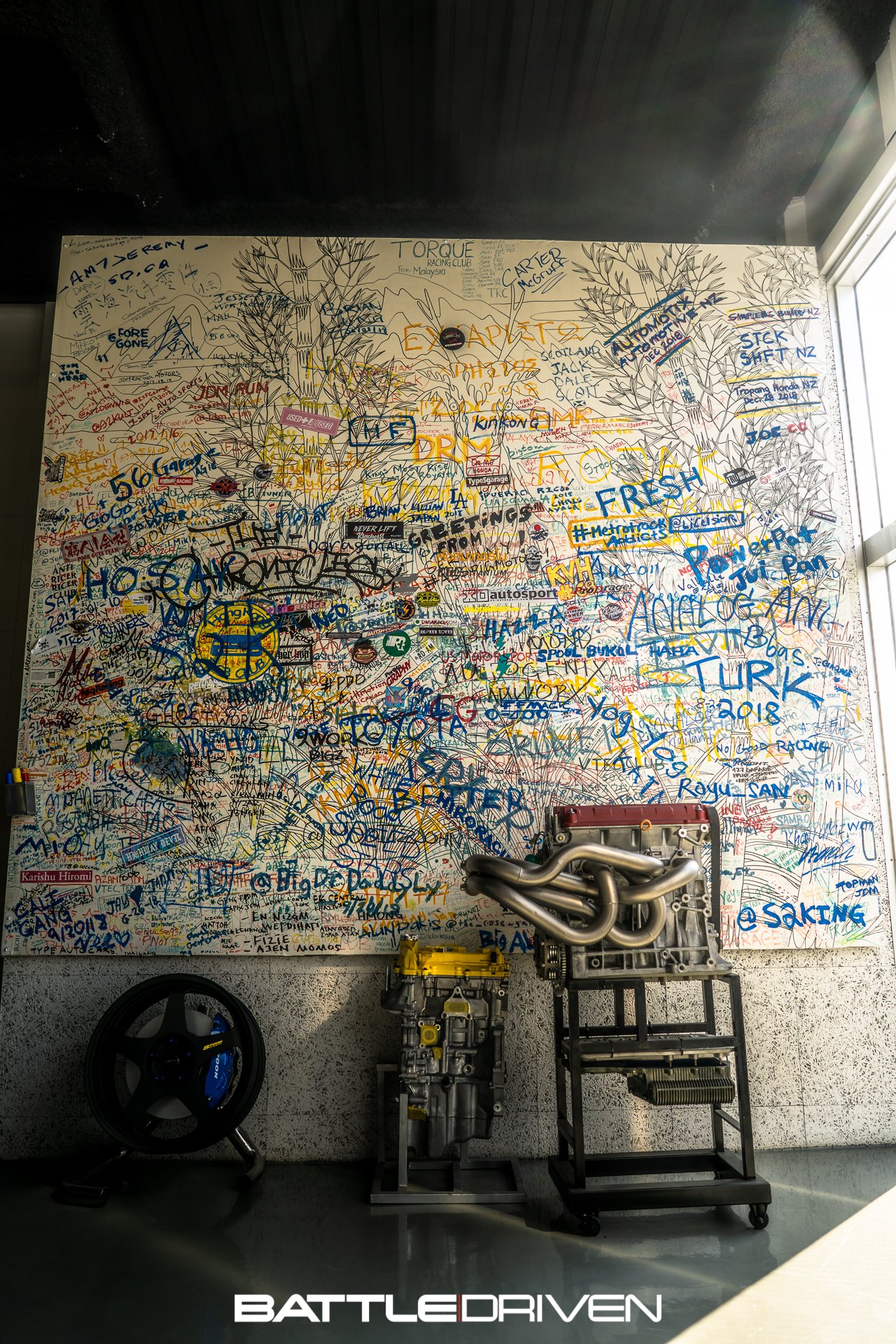 The famed wall that i begrudgingly forgot to sign. Like i said earlier though, I'll be back.