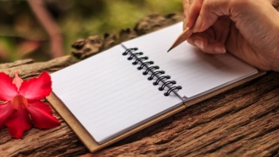 hand writing - Copyright: <a href='https:::www.123rf.com:profile_stockphototrends'>stockphototrends : 123RF Stock Photo<:a>.jpg