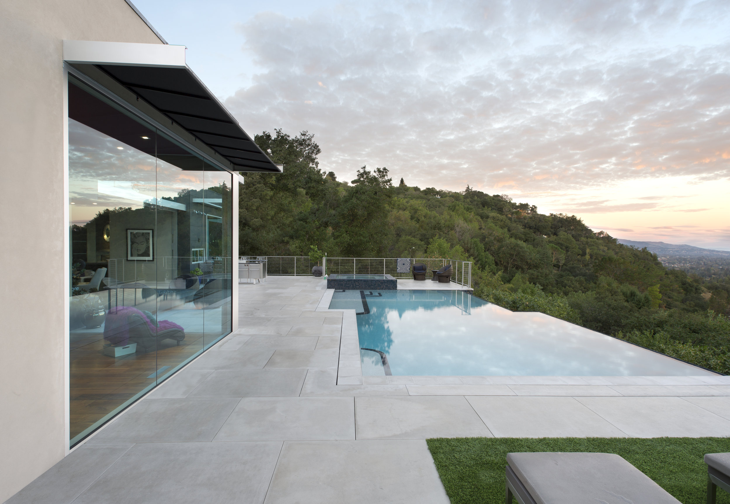 infinity edge pool patio los gatos fuse russell simpkins photography
