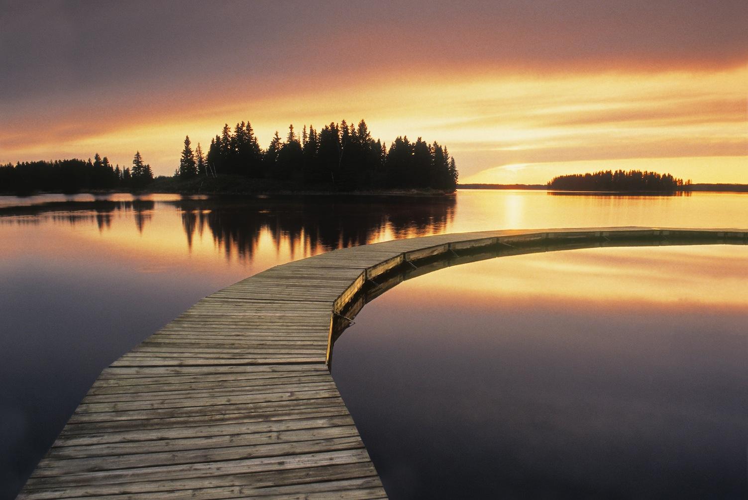 Peaceful lake blog Paix.jpg