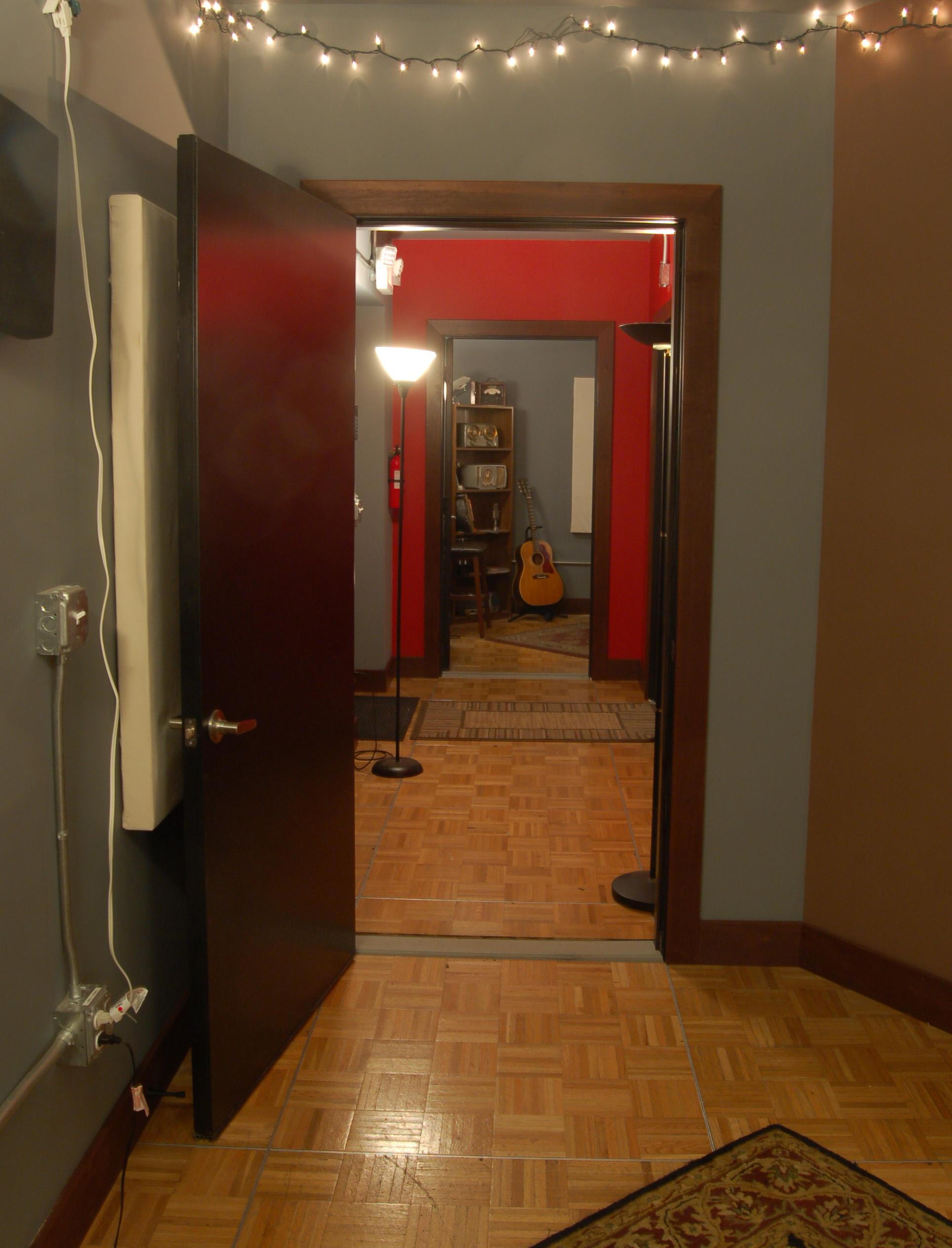 Hallway 4 NEW.jpg