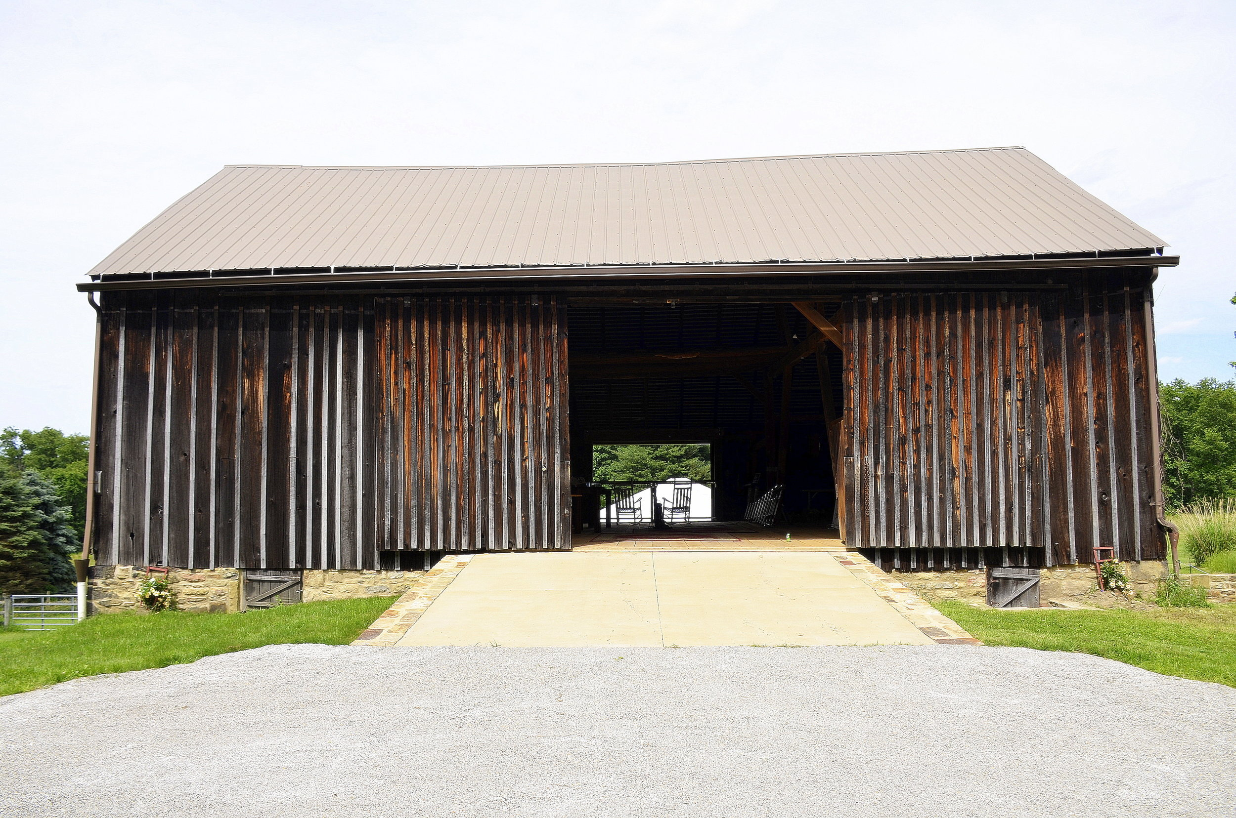 Penn Rustics Rentals_Clay Wedding_Barn.jpg