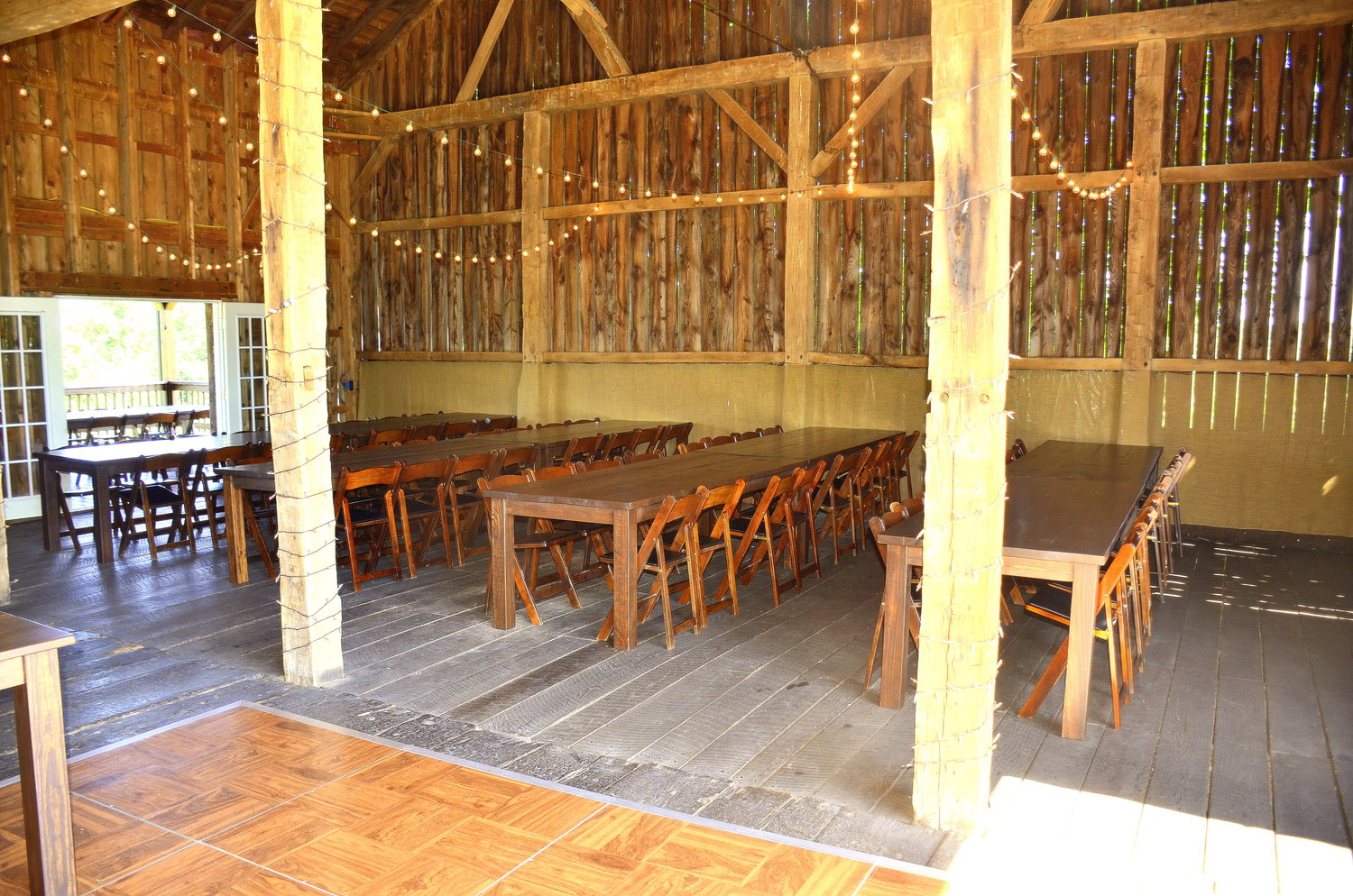 Armstrong+Farms_Barn+Reception6.jpg