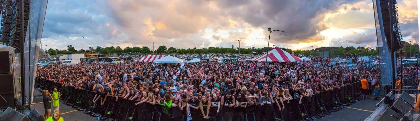 Dirtfest 2016 crowd