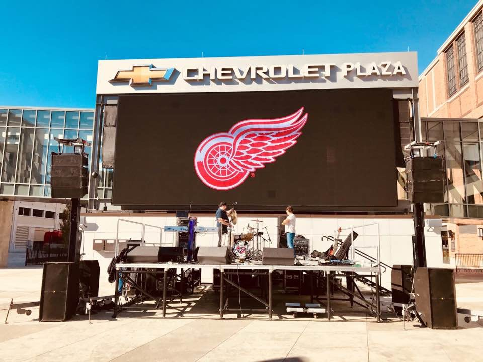 Outside the Little Caesars Arena, GO WINGS!