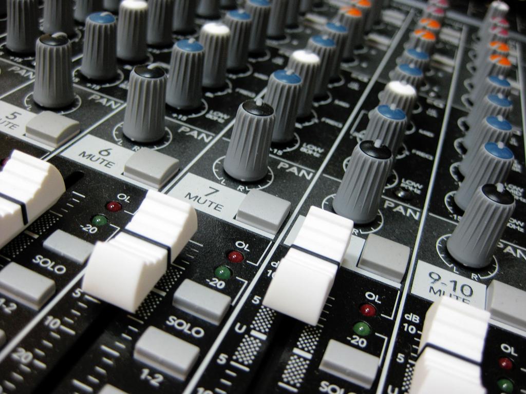Limpieza-grabaciones-de-audio-para-juicios.jpg