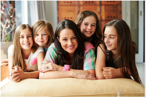 Madeleine Grummet and her four daughters.