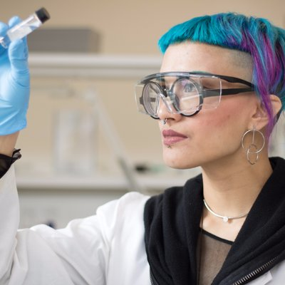 Jess VoversSTEM Phd + Science Gallery Melbourne - University of Melbourne PhD Solvent Extraction Chemical and Biomolecular Engineering, Mentor, STEM evangelist, Curious Minds