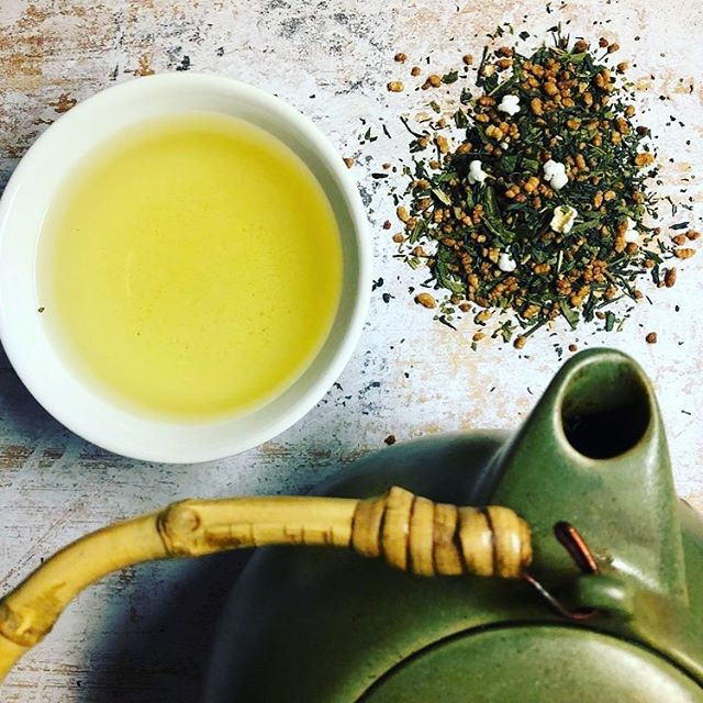 What's your favorite summer tea? . . . . . #beantowntea #summer #summertea #tea #greentea #japanesetea #drinktea #foodphotography #ingredients #tealeaves #lovetea #teapot #teacup
