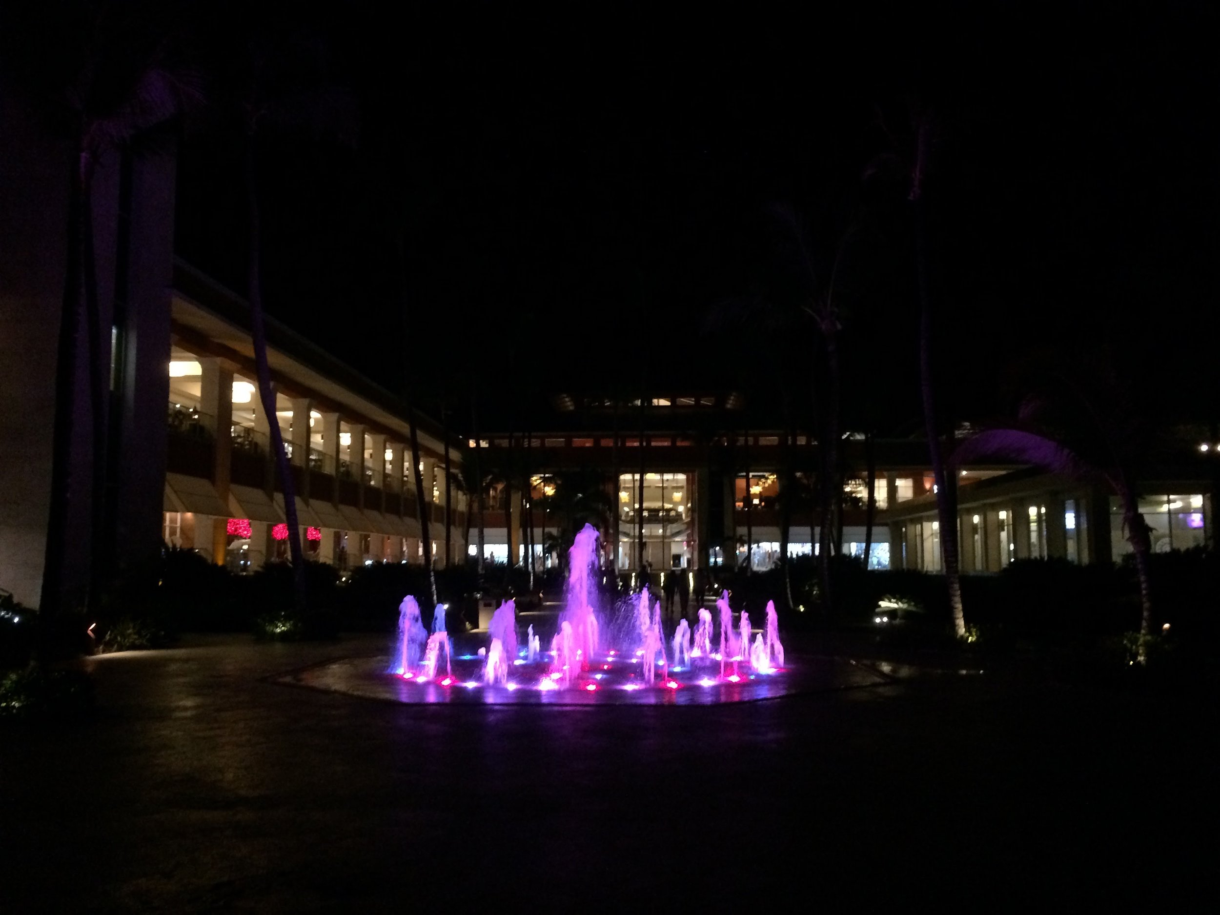 resort_front2.JPG