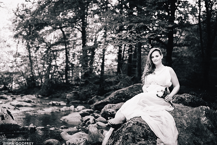 Woodland-Maternity-Photo-Shoot_0001.jpg