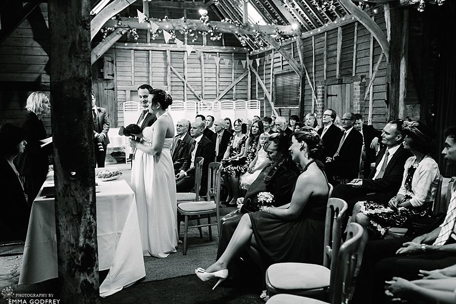 DIY-barn-wedding-England_0019.jpg