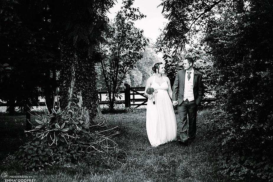 DIY-barn-wedding-England_0028.jpg