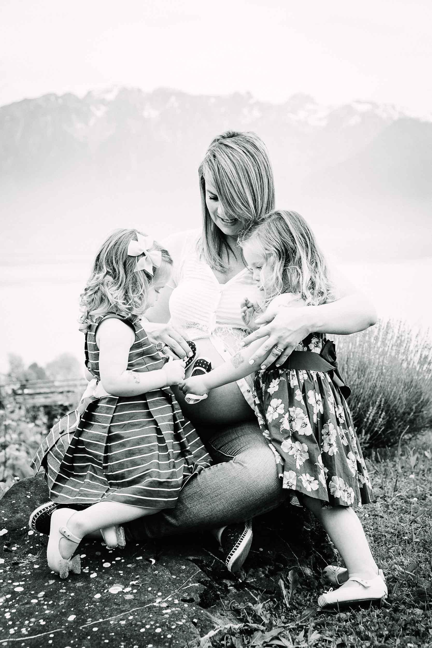 034-Caren-Maternity3-7807-bw.jpg