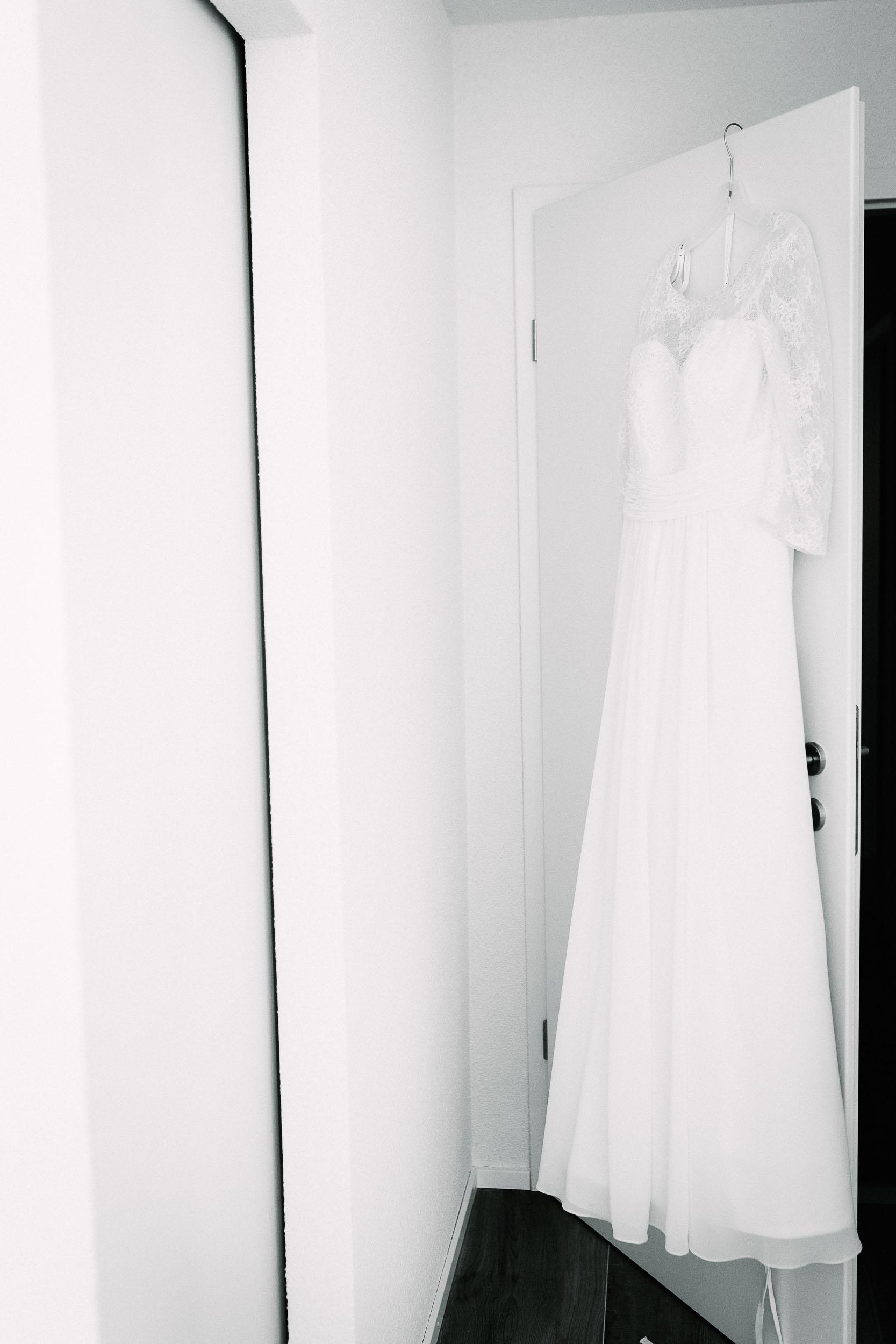 028-Melanie-Aurelien-Wedding-8527-bw.jpg