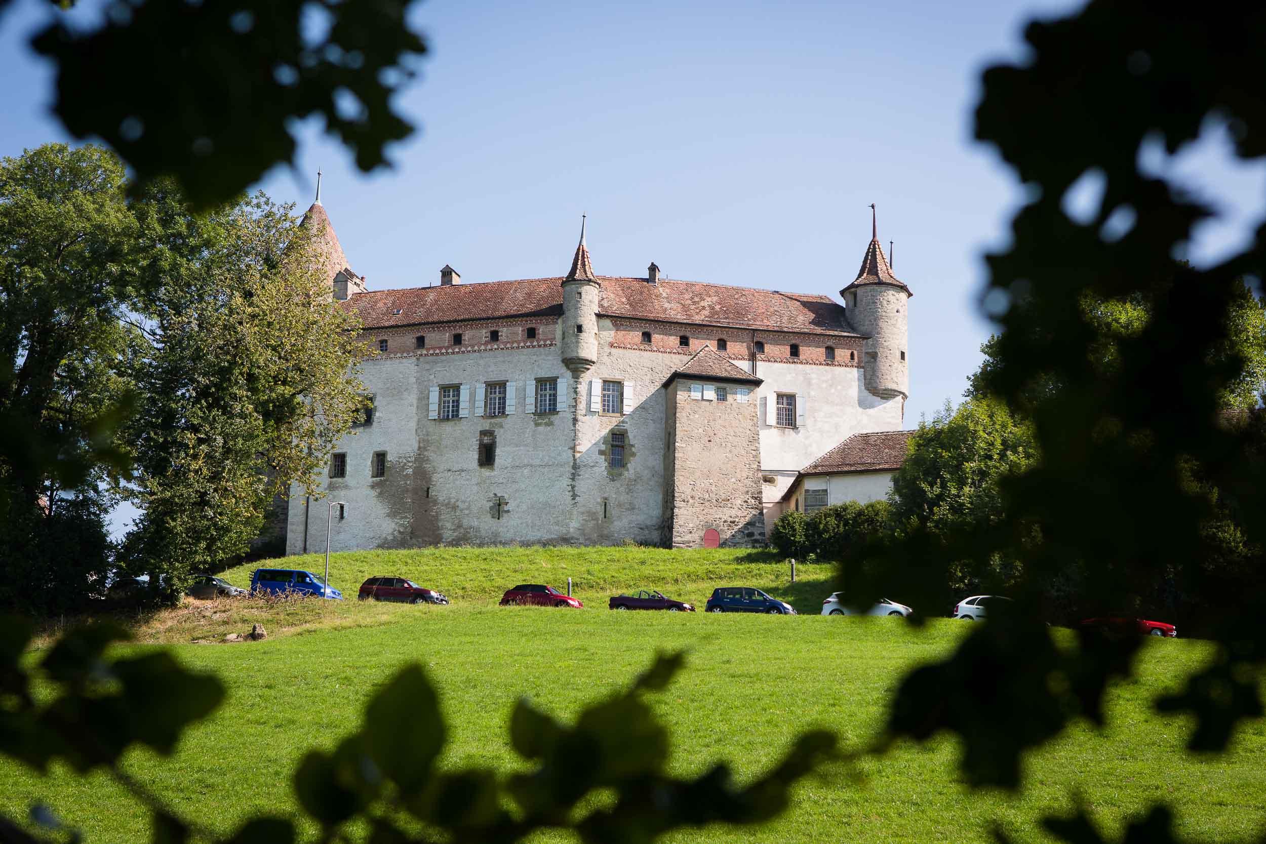 Château d'Oron castle wedding 01