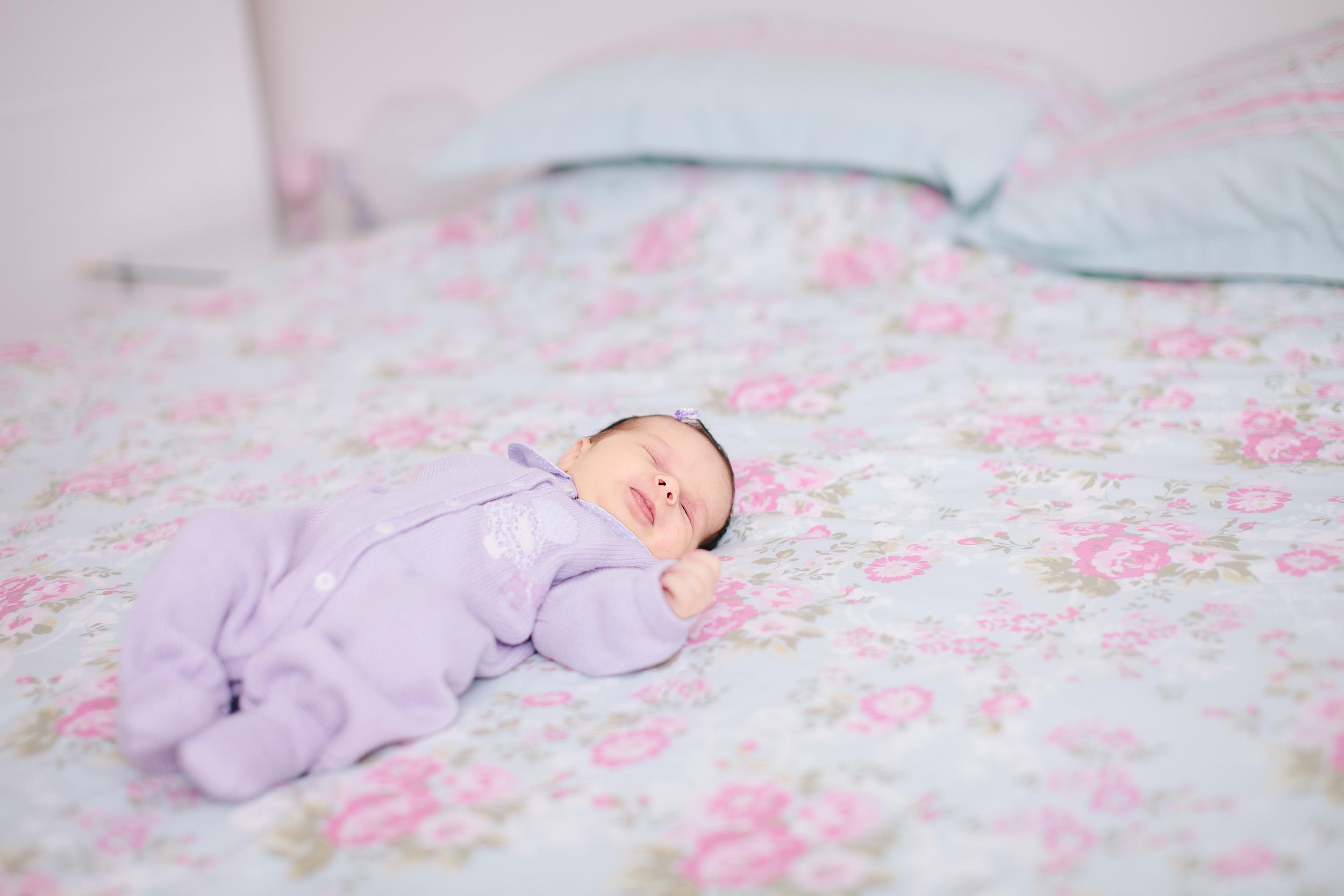Baby girl newborn portraits 04