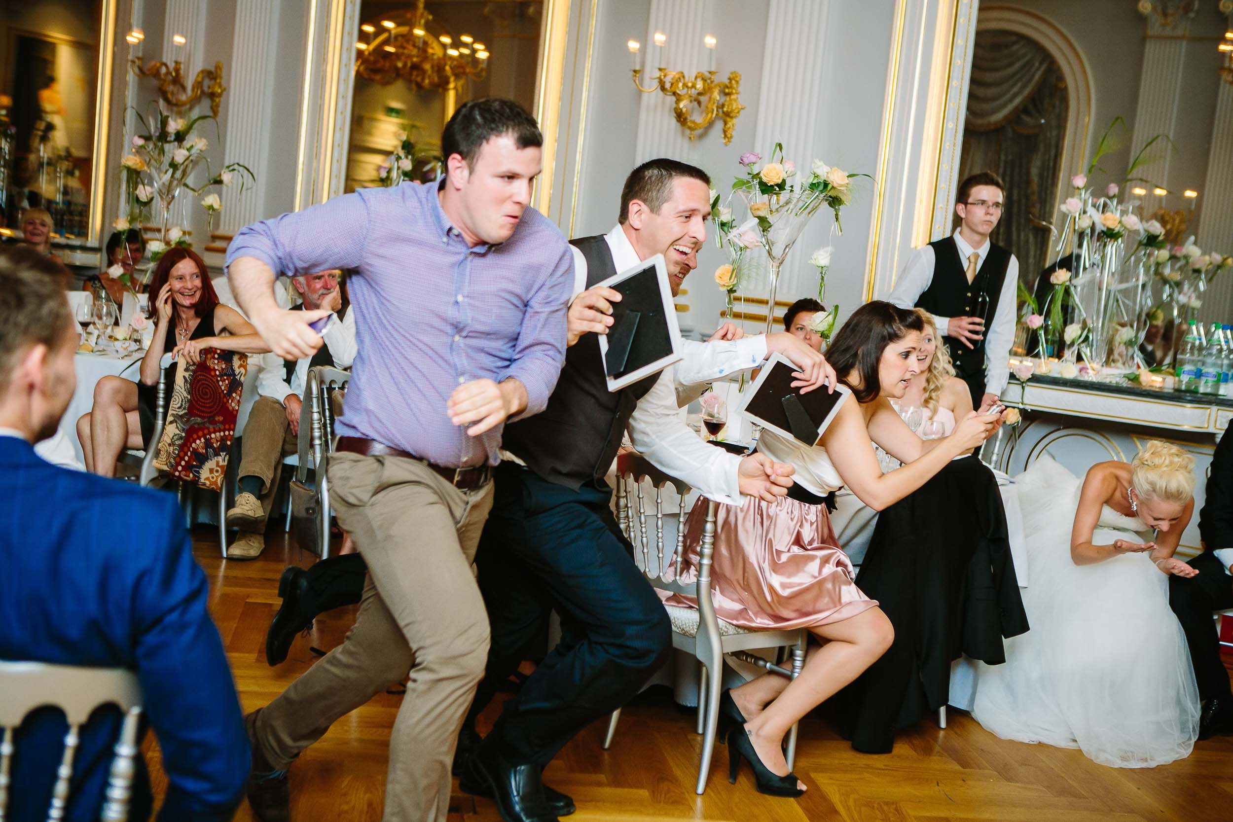Top wedding reception games in Switzerland, la course endiablée