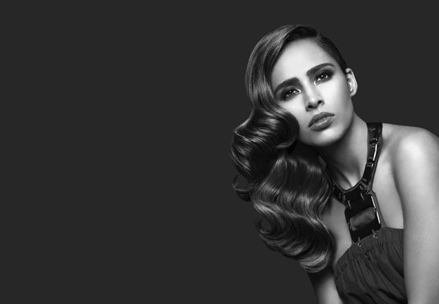 Adriana_sideswept curls.jpg