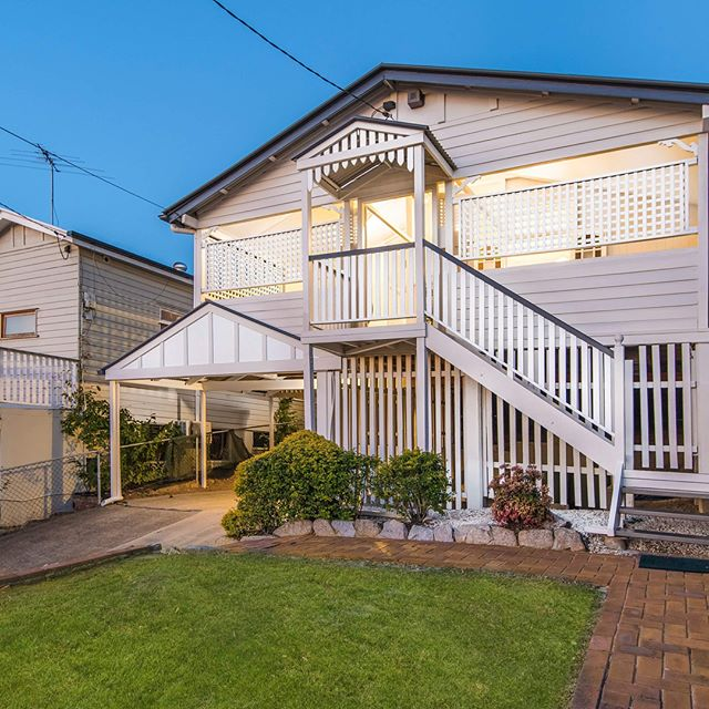 Dream cottage 😍 73 Brook Street, Windsor 🌟 Open this Saturday 10am & 12:45pm See you there!