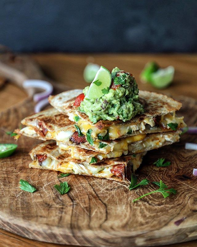 Quesadillas for the win!! Sometimes you don't have time to spend hours in the kitchen over dinner and that's ok!  These Chicken and Chorizo Quesadillas can be thrown together in no time and are most definitely a crowd pleaser! Recipe in the next @afoodieworld magazine! . #quesadillas #quesadilla #grilledcheese #chickenandchorizo #cheese #lunch #fastfood #foodforthefamily#foodphotography #foodstyling #foodblogger #hkfoodblogger #feedfeed @thefeedfeed #f52grams #thekitchn #hautecuisines #beautifulcuisines #heresmyfood #gloobyfood #bbcgoodfood #foodieflatlays #mylittlehongkongkitchen #huffposttaste #foodandwine #saveurmag #lifeandthyme #mycommontable #foodieflatlays #bonappetit #saveurmag #eeeeeats #pinkladysnapsapr19