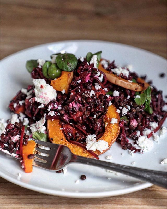 I couldn't resist another shot of this salad. Roasted Squash, Smoked Beetroot and Lentils - such a wonderful combination! Happy weekend guys! . #lentilsalad #salad #healthyeating #squashandlentil #beetroot #vegetarian #meatlessmonday #meatfreemonday #afoodieworld #foodwriter #foodphotography #foodstyling #foodblogger #hkfoodblogger #feedfeed #f52grams #thekitchn #hautecuisines #beautifulcuisines #gloobyfood #bbcgoodfood #foodieflatlays #mylittlehongkongkitchen #huffposttaste #foodandwine #saveurmag #lifeandthyme #mycommontable #bonappetit #saveurmag #pinkladysnapsjuly19