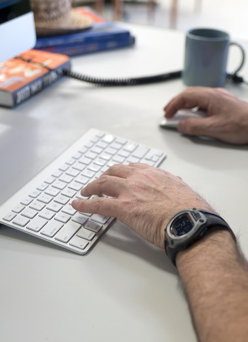 workspace desks macbook