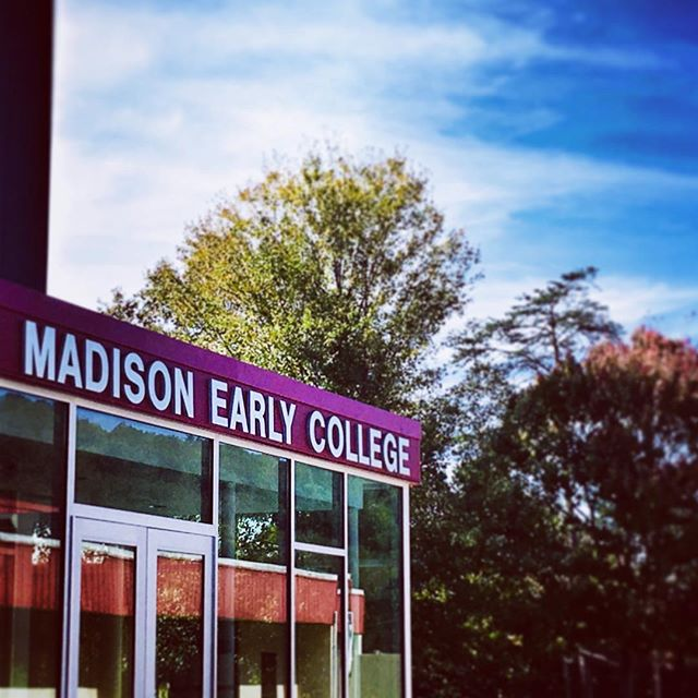 We had a great time at Madison Early College today working with the Earth and Environmental Science class planting a pollinator garden!  We discussed plant communities, wetland plantings, stormwater management, and planting for pollinators and Monarchs!! #wildbudnatives #madisoncountync #madco #gardensofinstagram #growforit #growsomethinggreen #pollinators #gardenforwildlife #flora #plants #fortheloveofplants #nativeplants #plantsofnc #appalachia