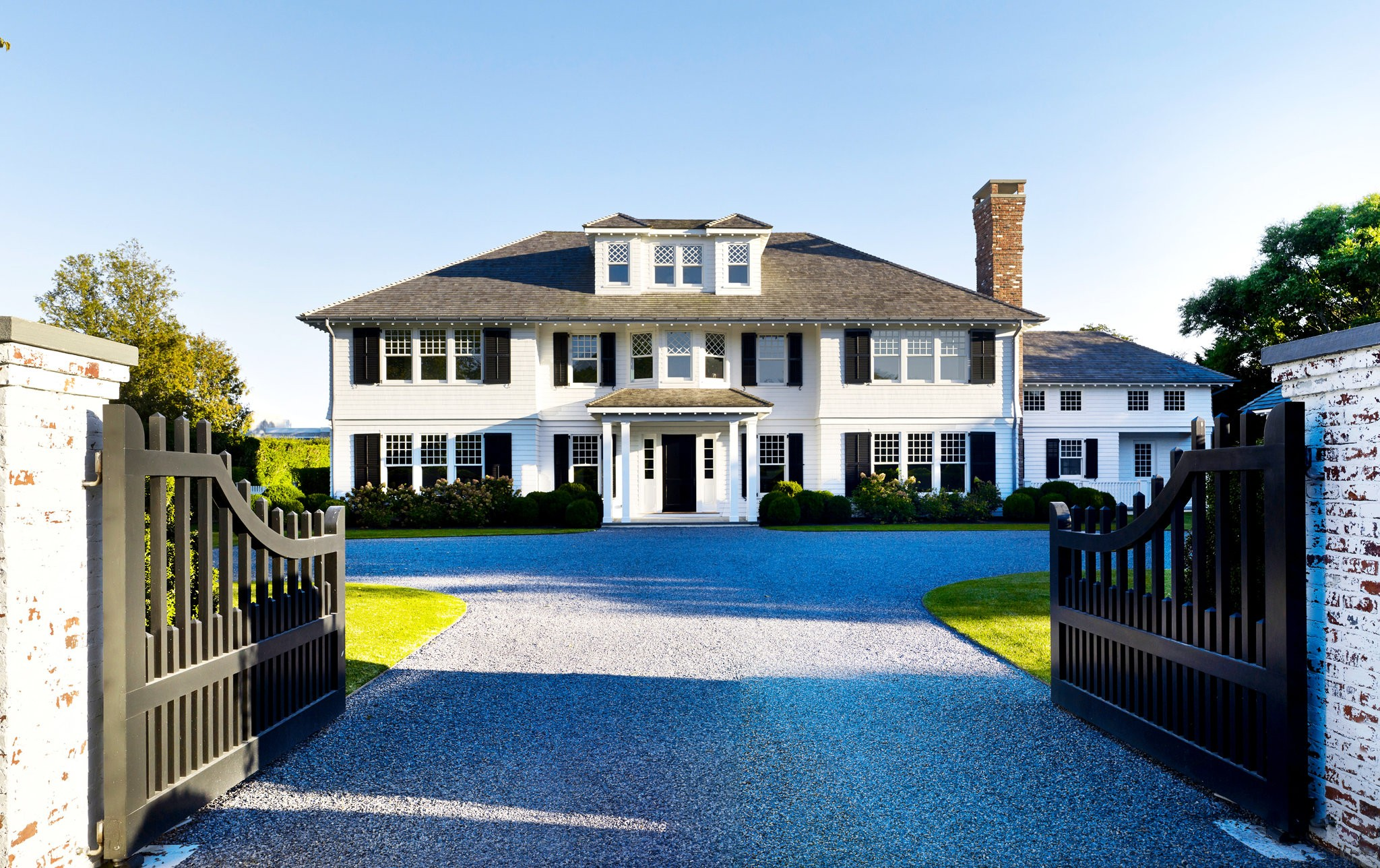 A house in East Hampton, N.Y., that Dan Scotti built after demolishing the existing house, which had been owned by the author James Brady. (PETER MURDOCK)