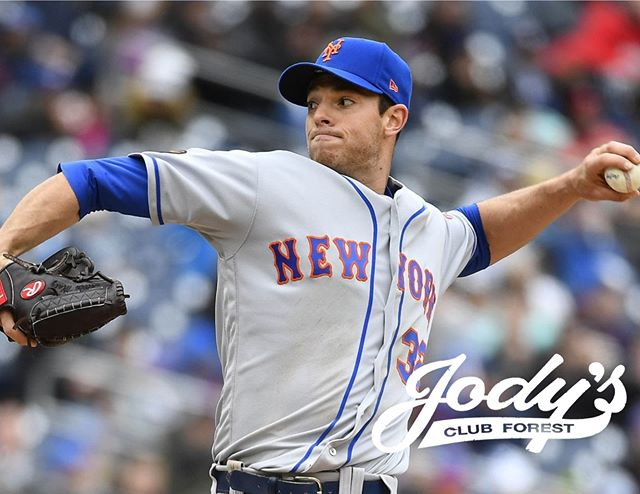Watch the Mets take on the Padres with us this Friday while enjoying a nice beverage at our full-service bar.