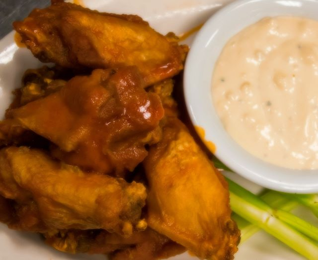It's CLEAR that #WINGS are a PERFECT DINNER CHOICE!