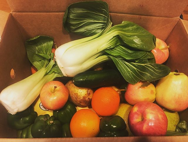 #imperfectproduce delivery FTW. 😋 🍎 🍊🥦🥕🥬