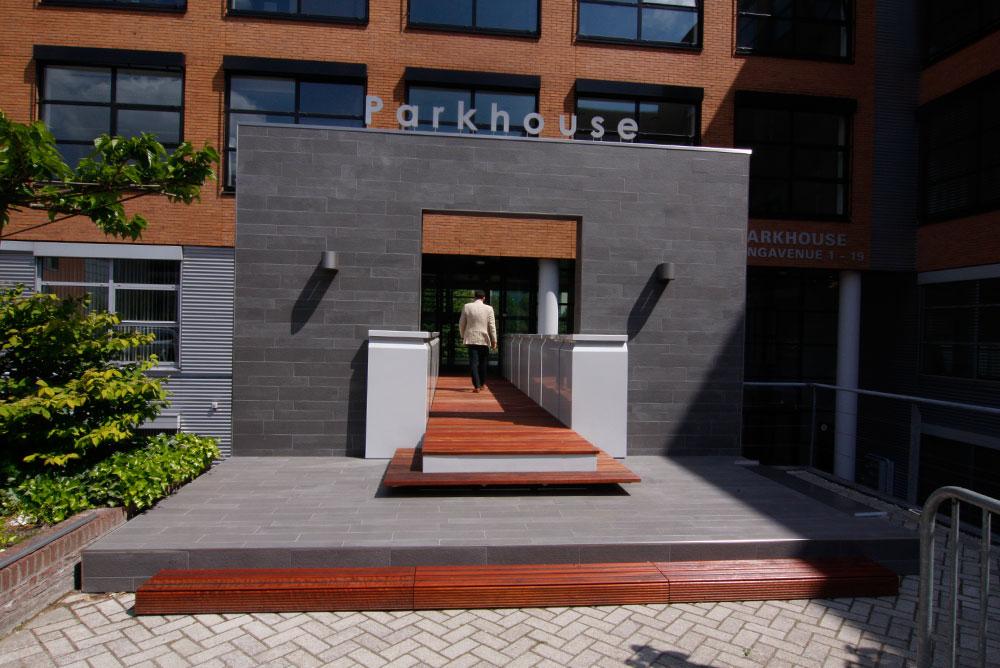 parkhouse_entree_loopbrug_05_verbouwing_maaq_design_build