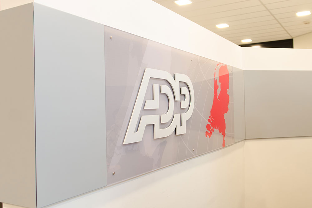 adp_02_signing_logo_maaq_design_build