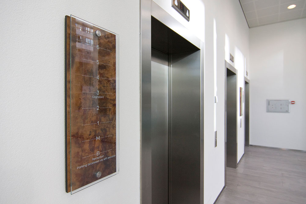 gustav_mahler_07_lift_etageoverzicht_signing_maaq_design_build