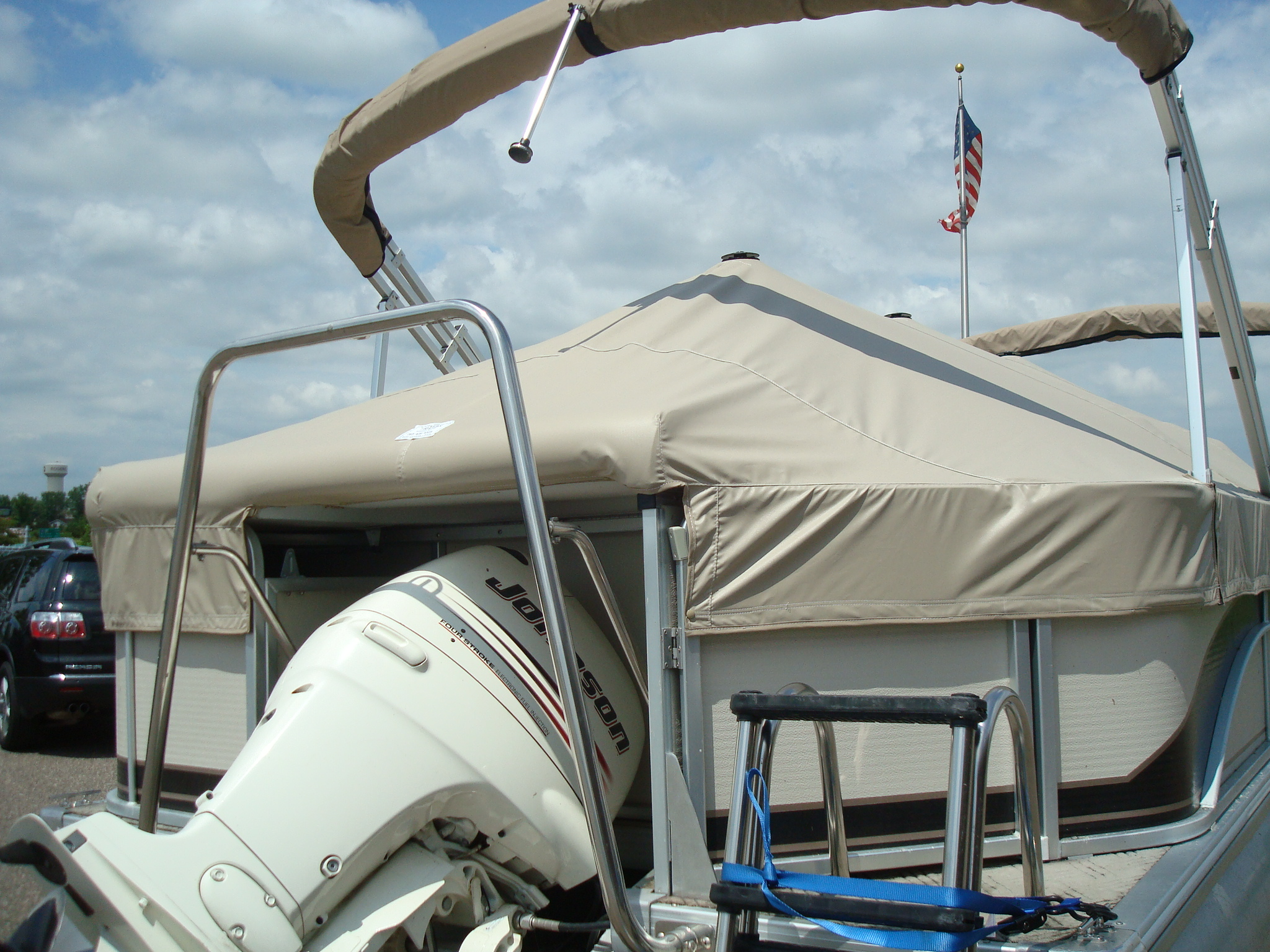 Pontoon Cover Special Features.JPG