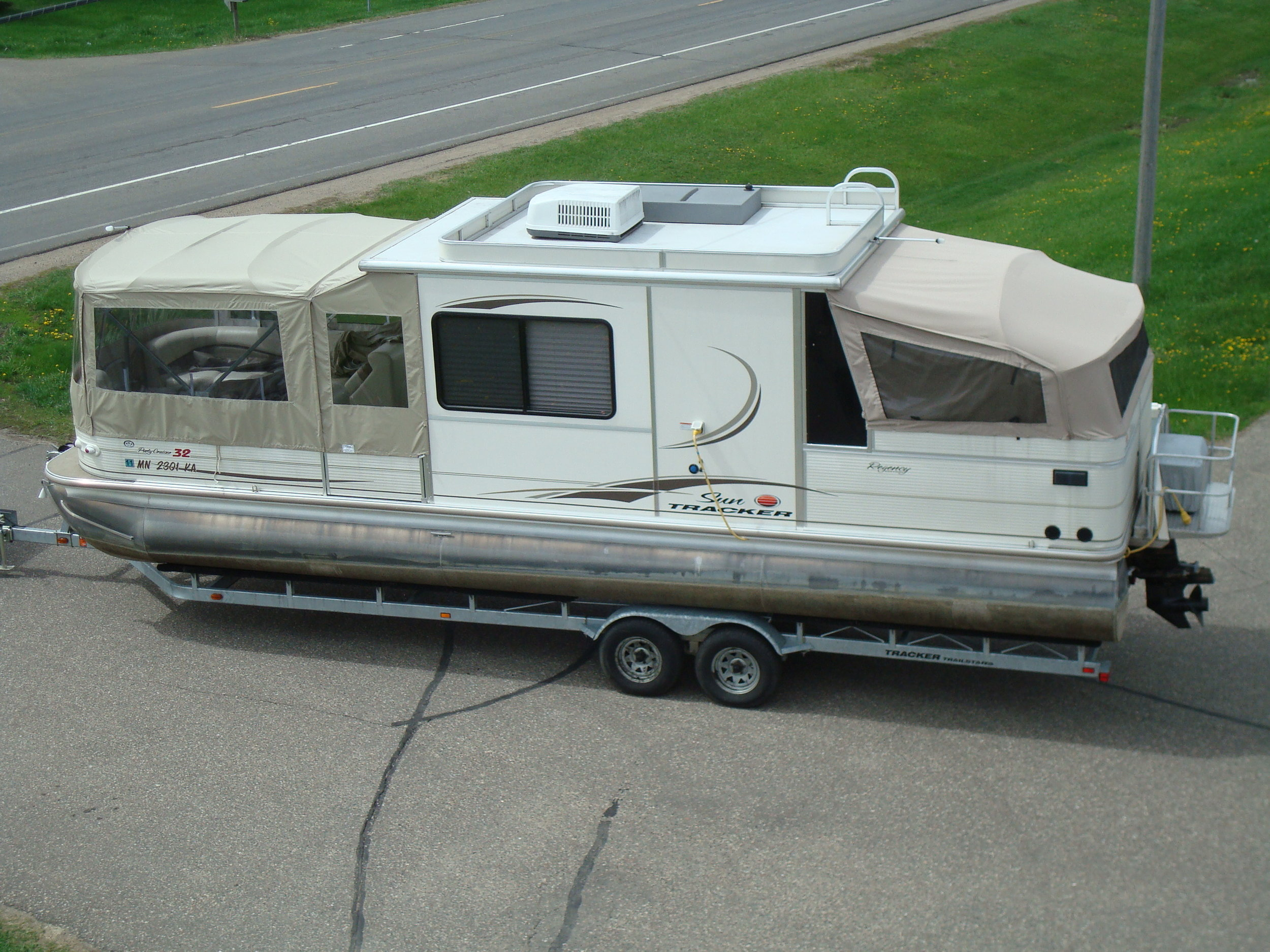 Custom Enclosure for Pontoon.JPG