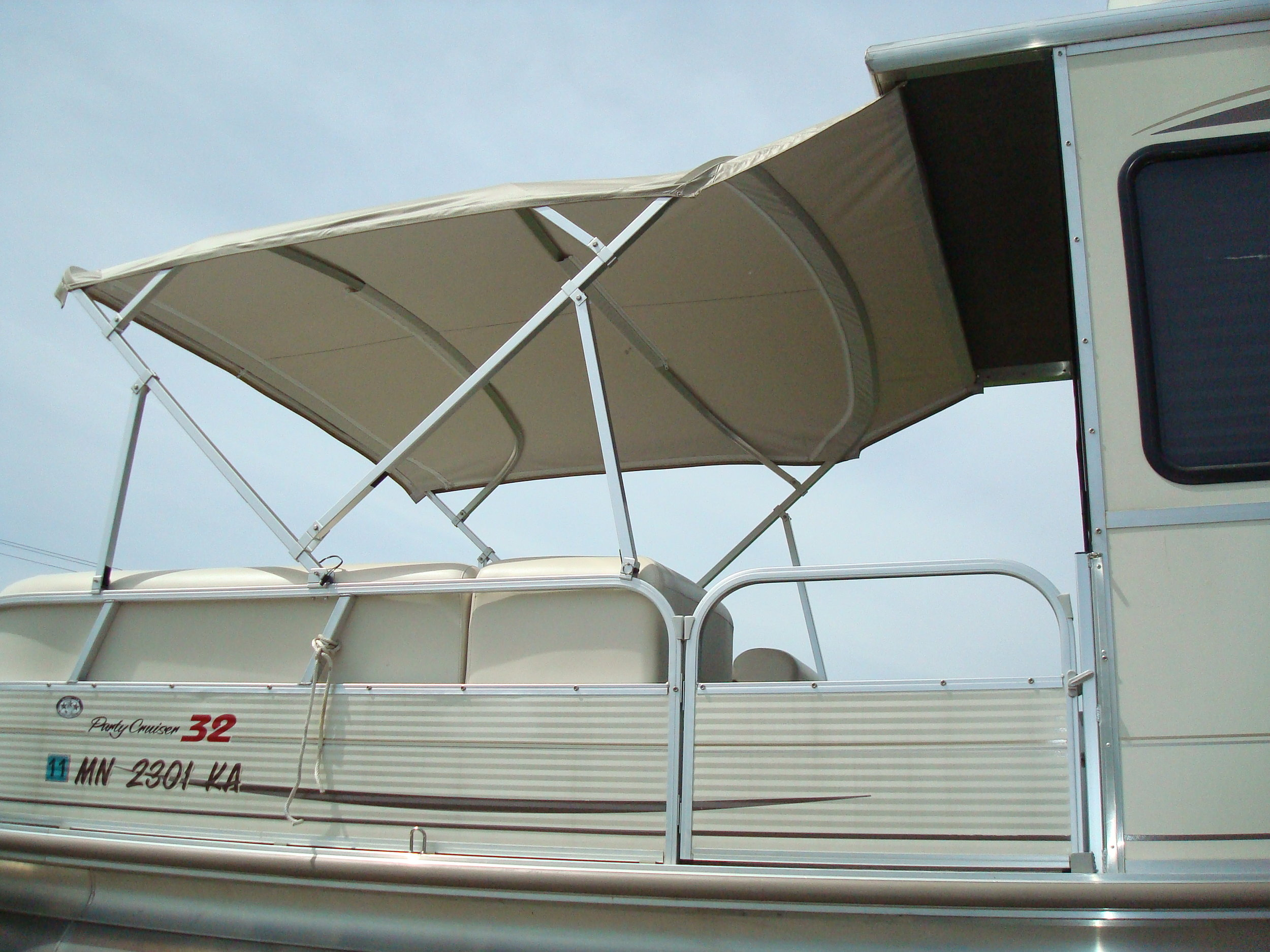 Custom Top Pontoon.JPG
