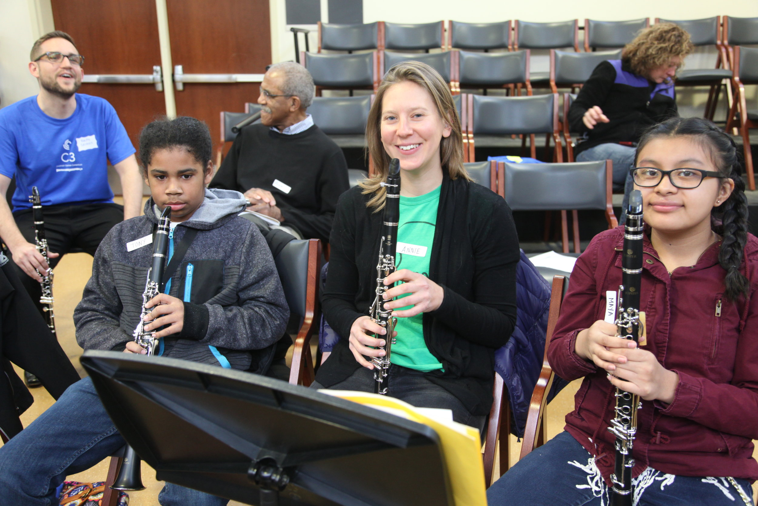 Annie Gordon with young clarinetists from MYCincinnati - MiniFest 2018