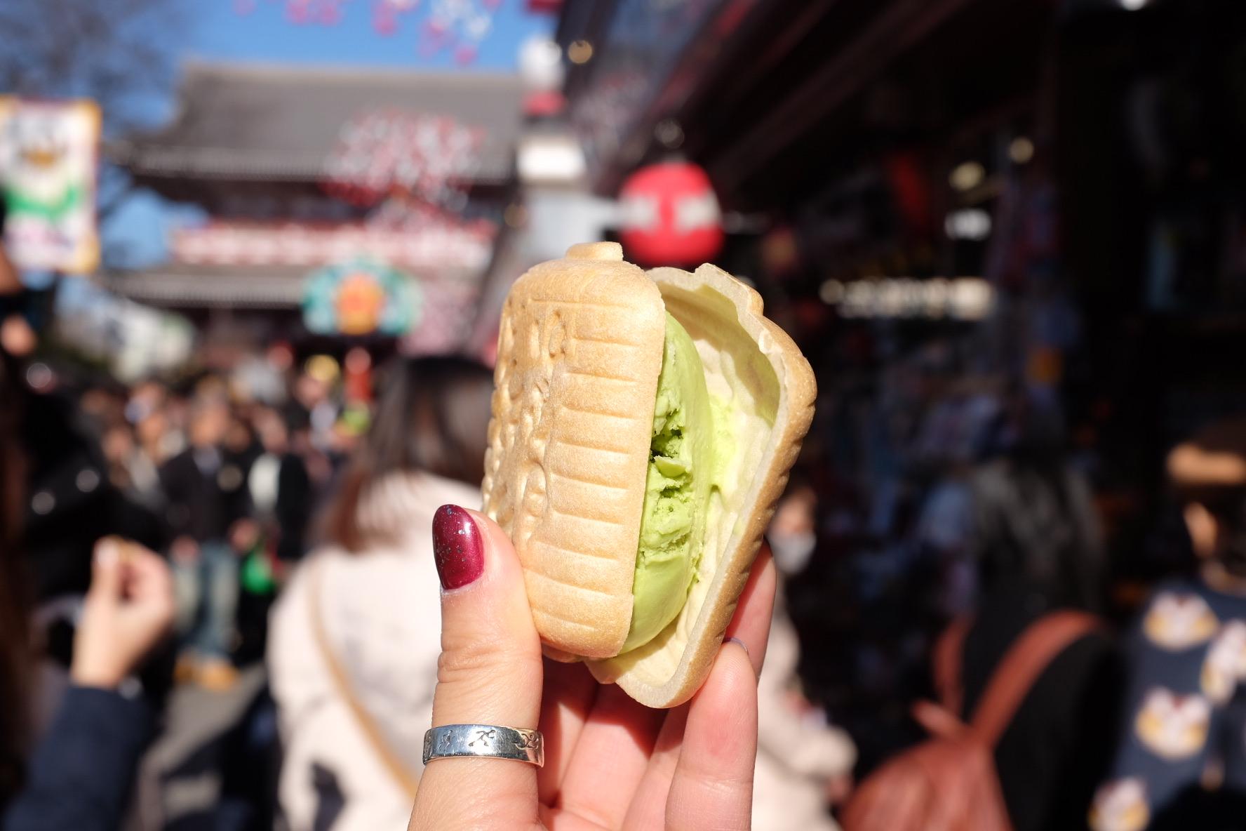 Ice cream sandwich at Tokyo Asakusa Shrine.
