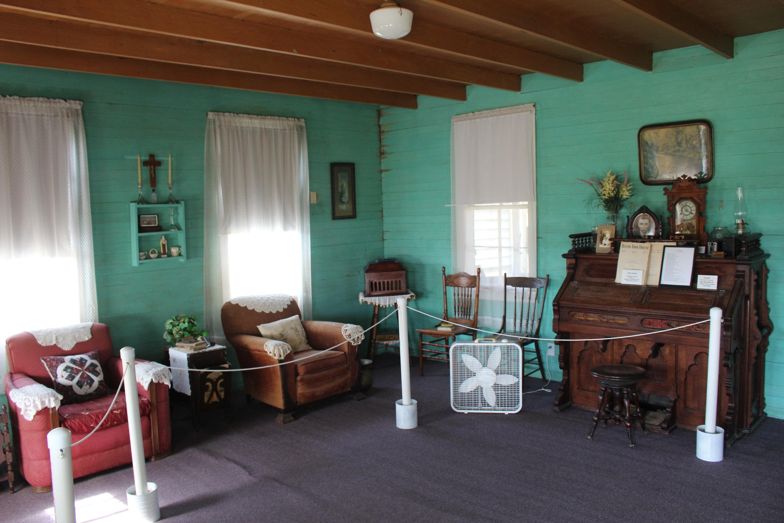 19.Hluchanek-Salas House interior.jpg