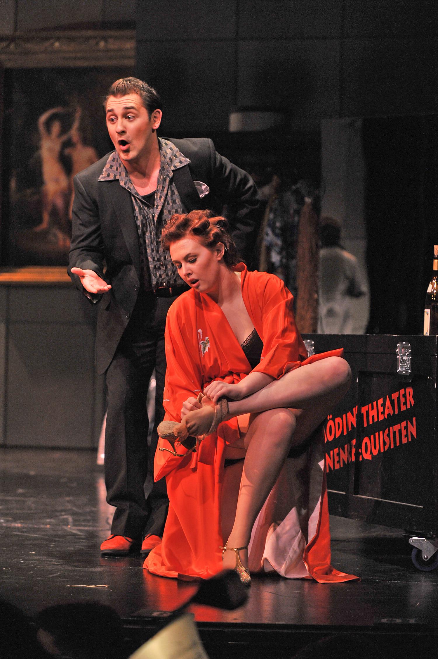 Tanzmeister in  Ariadne auf Naxos   ;  credit-Peter Smith Photography