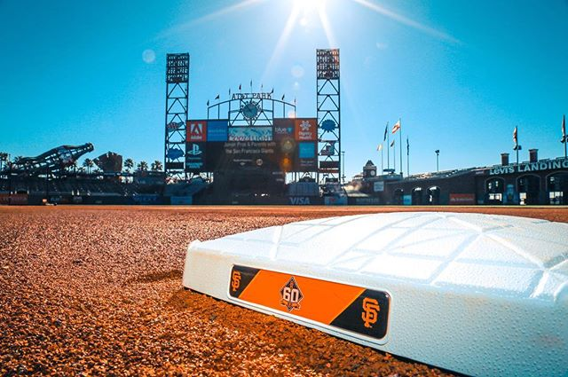 #beautiful #sunny day here in #sanfrancisco with the #giants #sfgiants #attpark #mlb #baseball #photography #marketing #sports #sportsphotography