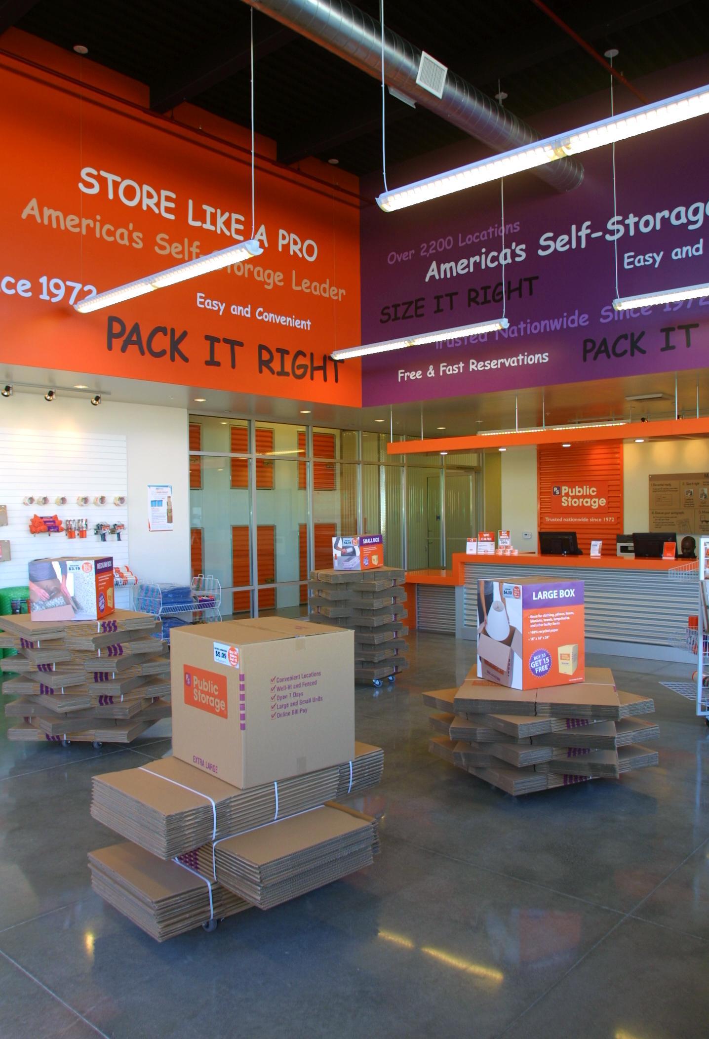 Store214.jpg