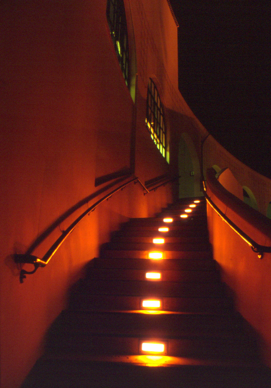 ss-oth-bevhills_stairs.jpg