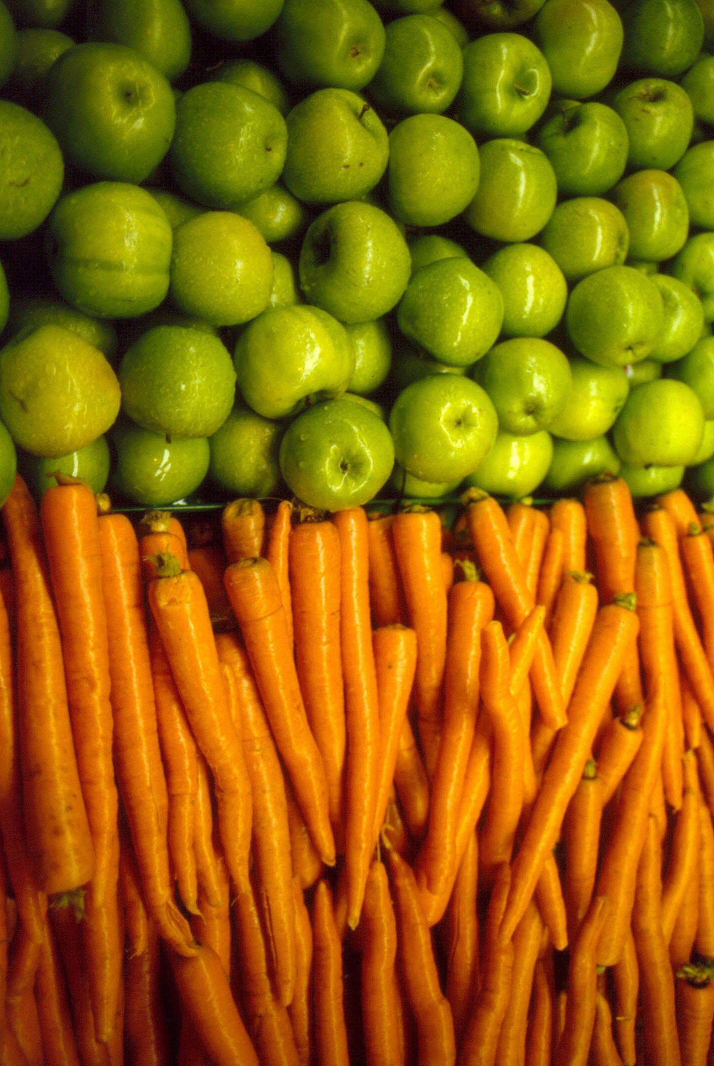 ss-oth-carrotsapples.jpg