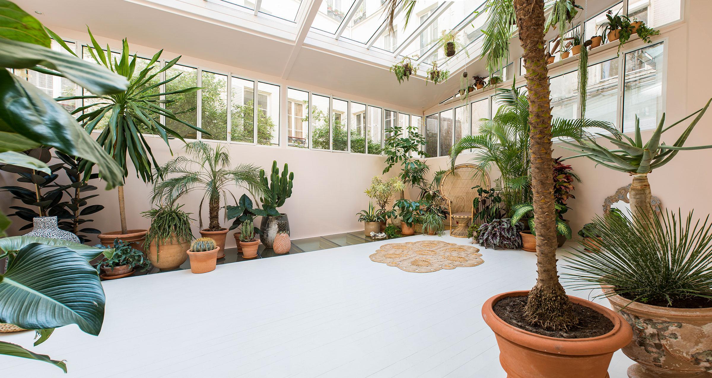 .... Le jardin d'hiver, réalisé par Maison Debeaulieu, surface 42m2. .. The Winter garden, realized by Maison Debeaulieu, surface 42sqm. ....