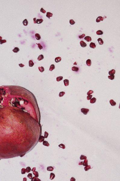 Photographie de Lola Hakimian,  Les arilles rouges,  38 x 50 cm